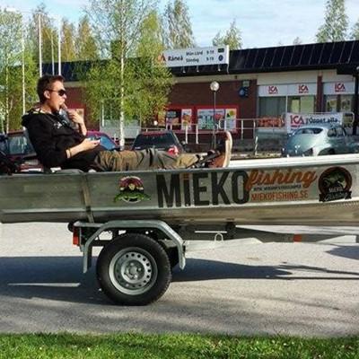 Glassar på båten i Råneå centrum